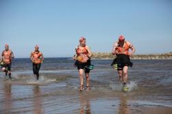 LPGA rādīs paraug- demonstrējumus Amber Race swimrun un taku skriešanas sacensībās
