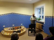 Tikšanās ar rakstnieku Aivaru Kļavi Ainažu bibliotēkā